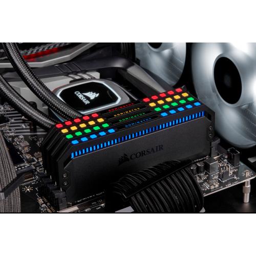 Фото ОЗУ Corsair DDR4 16GB (2x8GB) 3600Mhz Dominator Platinum RGB (CMT16GX4M2C3600C18)