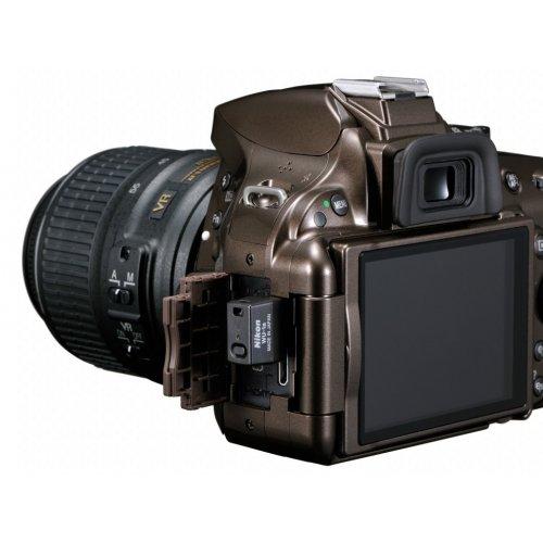 Фото Цифровые фотоаппараты Nikon D5200 18-55 VR Kit Bronze