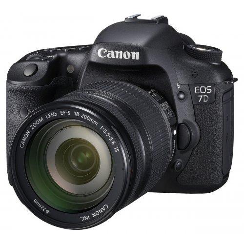 Фото Цифрові фотоапарати Canon EOS 7D 18-200 IS Kit