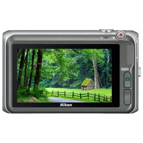 Фото Цифровые фотоаппараты Nikon Coolpix S6400 Silver